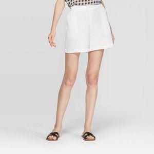 Mid-Rise Linen Shorts